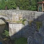 Betanzos, Puente viejo de As Cascas y escudo